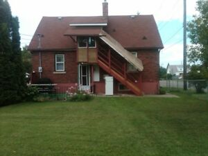 1 Bdrm FURNISHED UTILITIES WiFi Central F.W. (south side)