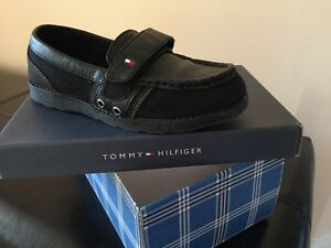 Boy's Tommy Hilfiger ethan style shoes size 3