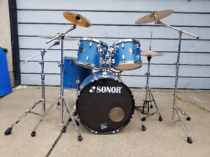 5 Piece Drum Kit with Cymbals and Hardware