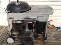 Weber performer with cast iron grate