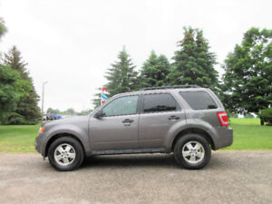 2012 Ford Escape XLT V6 AWD- ONE OWNER & JUST 116K!! 4 NEW TIRES
