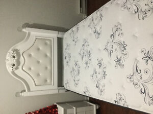 *ONLY COUPLE MONTHS OLD** SINGLE BED AND MATRESS FOR ONLY $599
