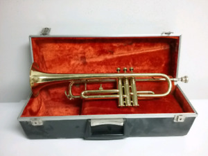 Trumpet - Layfayette Bb with case