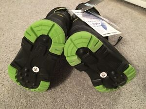 Winter Boots new with tags size 5 toddler
