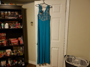 New maxi dress, never worn with tags on