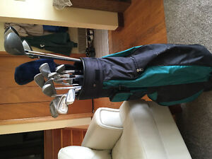 Golf clubs and bag for beginner