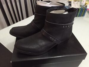 Brand new Just Fab Motorcycle boots
