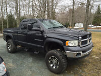 Lifted 2003 Dodge Power Ram 2500 Lariat Pickup Truck on 35's