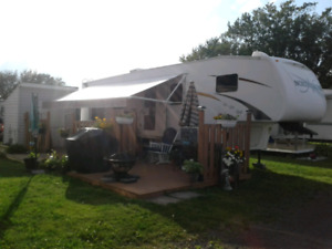 Deck/cabana-shed approx 8x6ft.....on site in Shediac Parasol cam