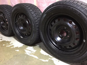225/55R16 950 and 5-114.5 Bolt Pattern Dunlop Graspic DS-3