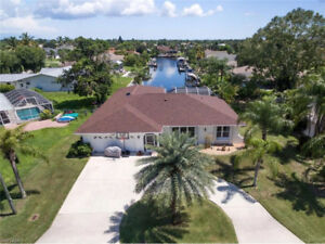 **DIRECT SAILBOAT ACCESS WATERFRONT HOME** - in Cape Coral, Fl