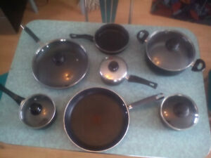 Kitchen pots / pans 2 lots your choice 30.00 each lot