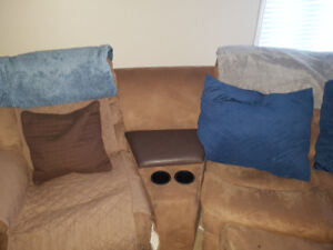 Large Theater Style Microfiber Sectional w/Ottoman