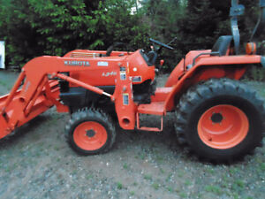 Quick connect loader & tractor only 230hr.