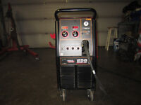 Lincoln Power Mig 256 Mig Welder Like New