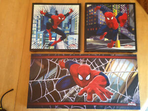 Spider-Man pictures comes as set of 3
