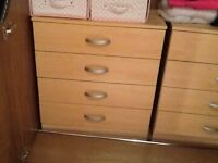 2 chest of drawers for urgent collection