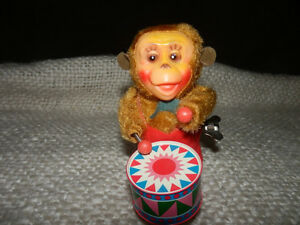 OLD MUSICAL MONKEY WITH ORIGINAL BOX