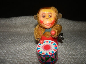 OLD MUSICAL MONKEY WITH ORIGINAL BOX Kitchener / Waterloo Kitchener Area image 1