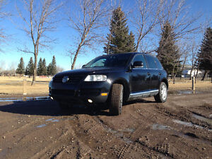 2004 Volkswagen Touareg Leather SUV, Crossover