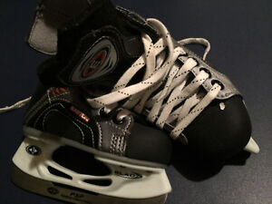 Easton ice skates size Y8 Strathcona County Edmonton Area image 2