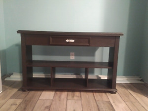 Wood tv - entertainment table