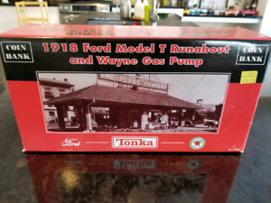 SOLD 1:21 Diecast Tonka 1918 Ford Model T Runabout and Gas Pump