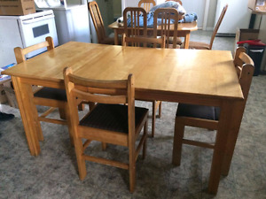 Table de cuisine en merisier