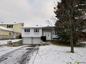Completely renovated bungalow, Kirkland