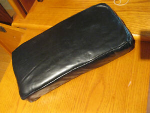 BRAND NEW LEATHER MOTORCYCLE FENDER SEAT/CUSHION