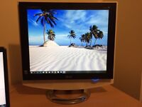 LG 17 inch M1710A computer monitor / analogue TV with remote control