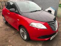 2012 Chrysler Ypsilon 1.2 ( 69bhp ) ( s/s ) Black&Red Air conditioning