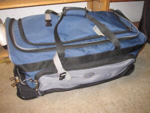 """Samsonite 30"""" Rolling Wheels Duffel Travel Bag"""