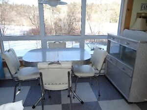 Retro 50's Diner Set with matching Buffet