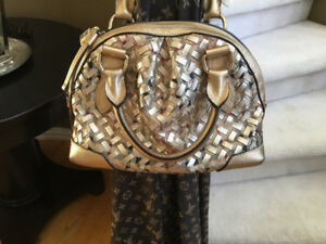 Near $2000 BURBERRY TIMELESS METALLIC GOLD LEATHER WOVEN BAG 9.8