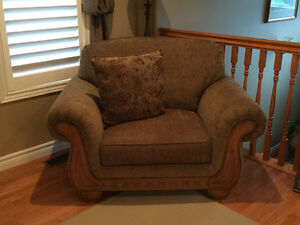 NEW Oversized Arm Chair/Couch