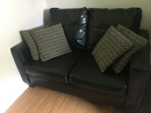 Faux leather sofa 40$ green larger pullout sofa 40$