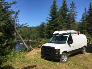 Camion Ford Econoline E-250 travail et campeur à vendre