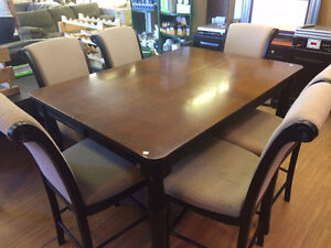 HFH ReStore EAST - Dining room table and chairs