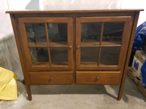 Solid Maple Wood Menonite China Cabinet