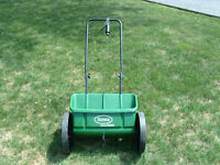 Scotts AccuGreen 1000 Lawn Fertilizer Spreader - $25 obo