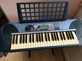 Yamaha keyboard With Cover