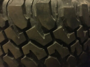 2 BAJA CHAMPION BF GOODRICH Mud Terrain Tires LT 255/75R17