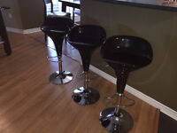 3 Bar Stools in Excellent Condition