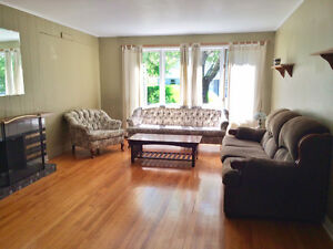 Fully furnished main-level bedroom, close to MUN and Mall