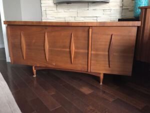Coffre de Cèdre en Noyer ** Mid Century ** Walnut Cedar Chest