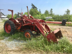 1960 IH Tractor with loader