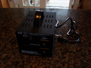 VCT VT-2000J Voltage Transformer Converts 100V to 110V Vic Versa