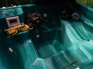 7 seater hot tub in EUC (including covers)