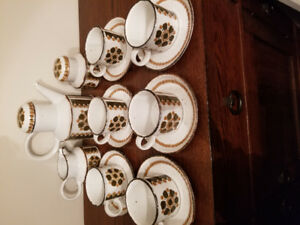 VINTAGE MIDWINTER HAZELWOOD STONEHENGE TEA/COFFEE SET